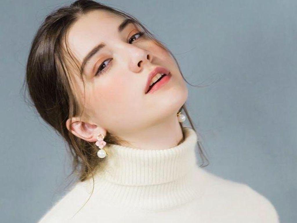 Kelelahan, Model Cantik Meninggal Setelah 12 Jam Fashion Show di China