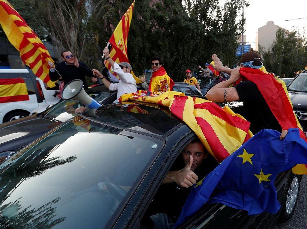 Begini Ramainya Aksi Tolak Catalonia Merdeka di Spanyol
