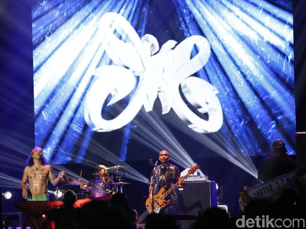 Slank Rayakan HUT ke-34 di Big Bang Jakarta