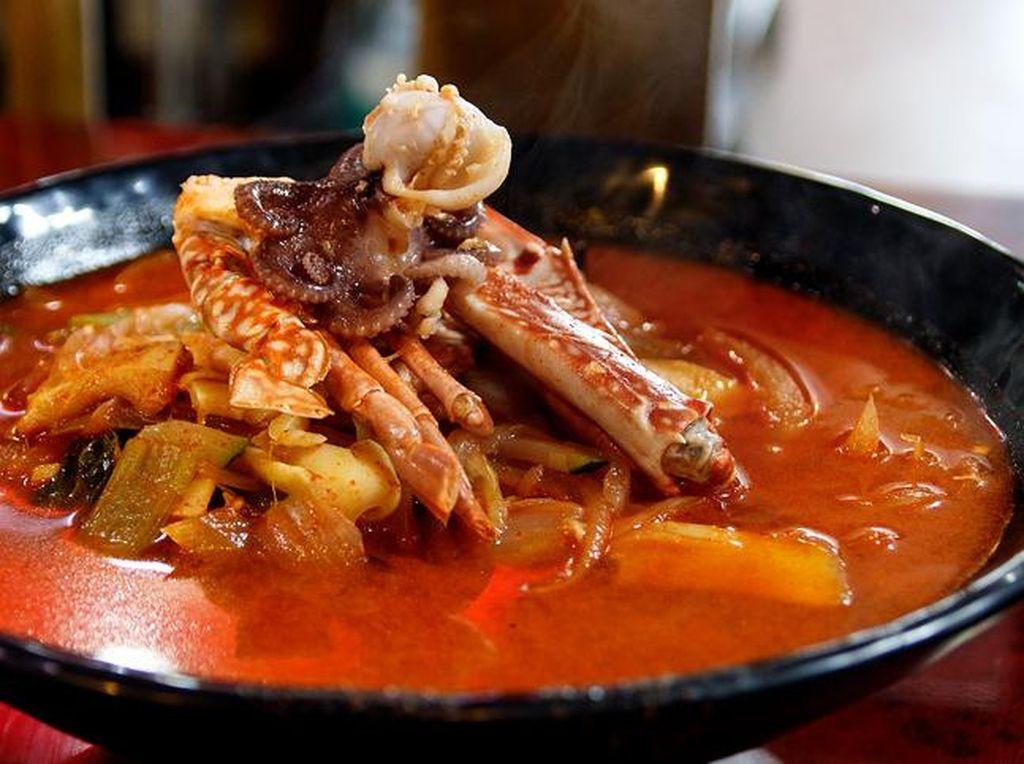 Kuat Makan Pedas? Wajib Coba 5 Masakan Korea yang Bikin Keringat Bercucuran