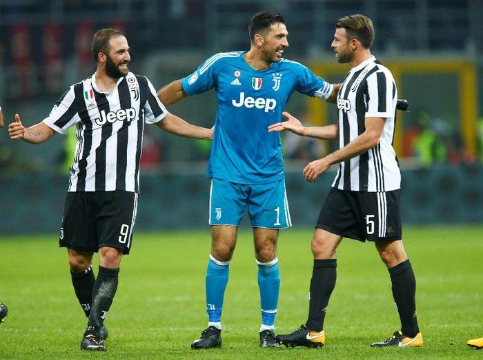Juventus merayakan kemenangan atas AC Milan (Foto: Alessandro Garofalo/Reuters)