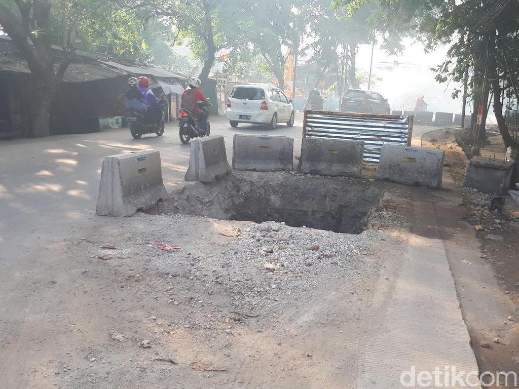 Bina Marga: Galian di Lodan Terbuka karena Pagar Beton Terbatas