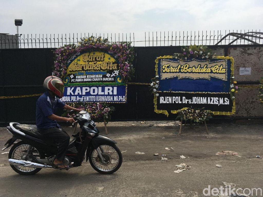 Ada Karangan Bunga dari Kapolri-Kapolda-Kapolres di Pabrik Kembang Api