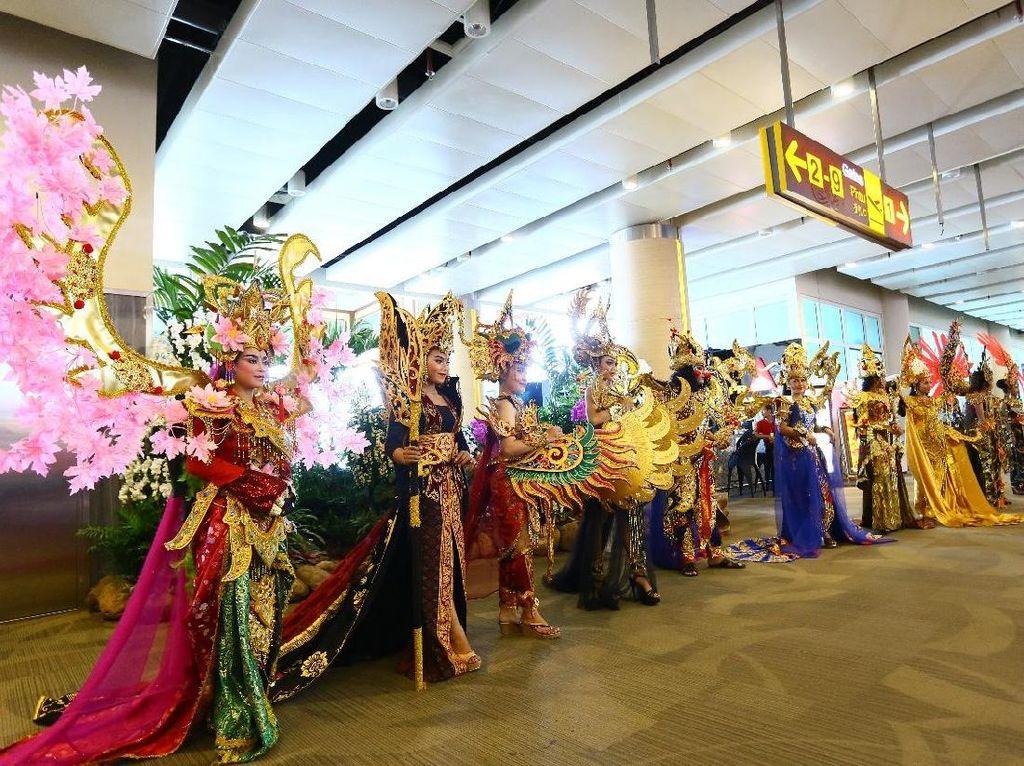 Ramainya Parade Halloween di Bandara Bali
