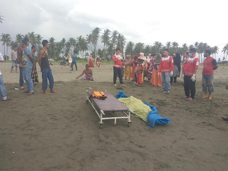 Mayat Pria Ditemukan di Pinggir Pantai Aceh, Mulut Berbuih