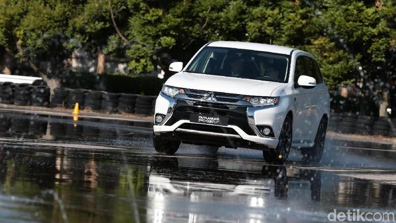 Mitsubishi Outlander PHEV (Foto: Mitsubishi)