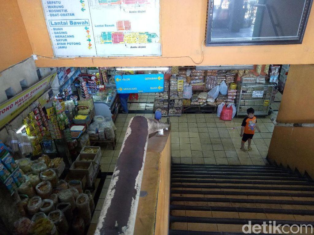 Curhat Pedagang Pasar Wonokromo: Omzet Turun Sejak Lebaran