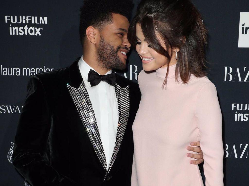Foto: Lihat Lagi Momen-momen Mesra Selena Gomez dan The Weeknd Sebelum Putus