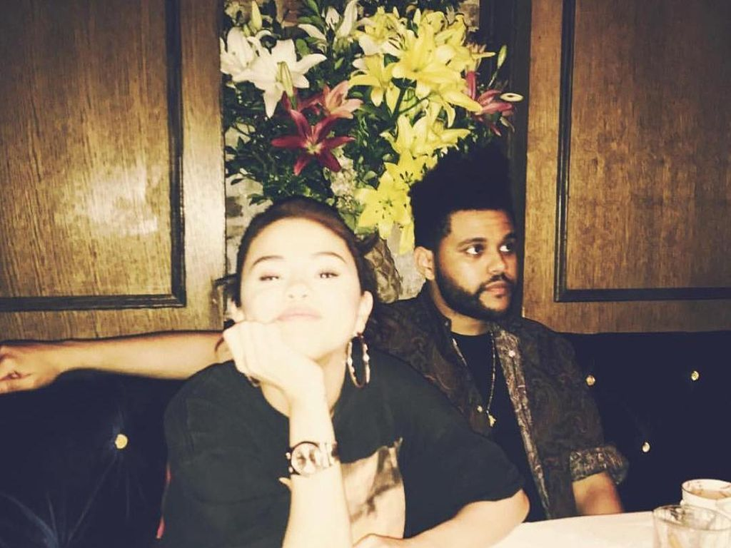 Putus, The Weeknd Unfollow dan Hapus Foto Selena Gomez di Instagram