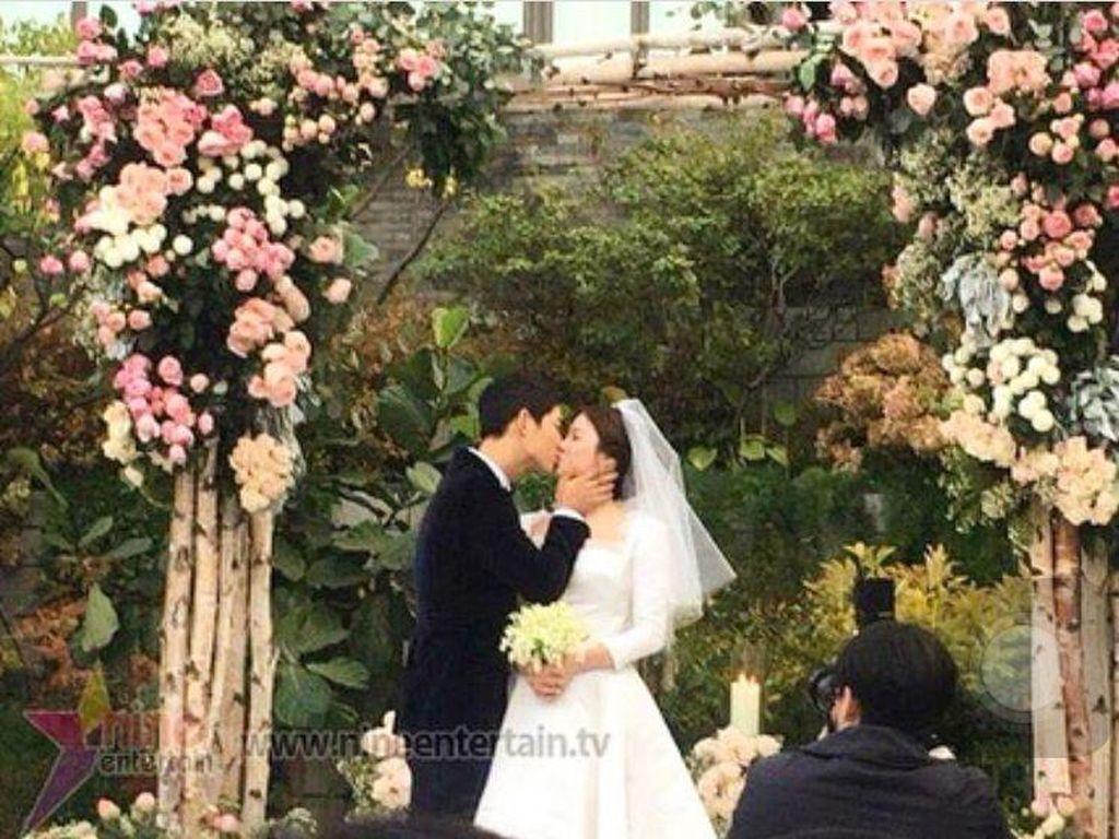 Deretan Kebaperan Wanita karena Song Hye Kyo dan Song Joong Ki Menikah