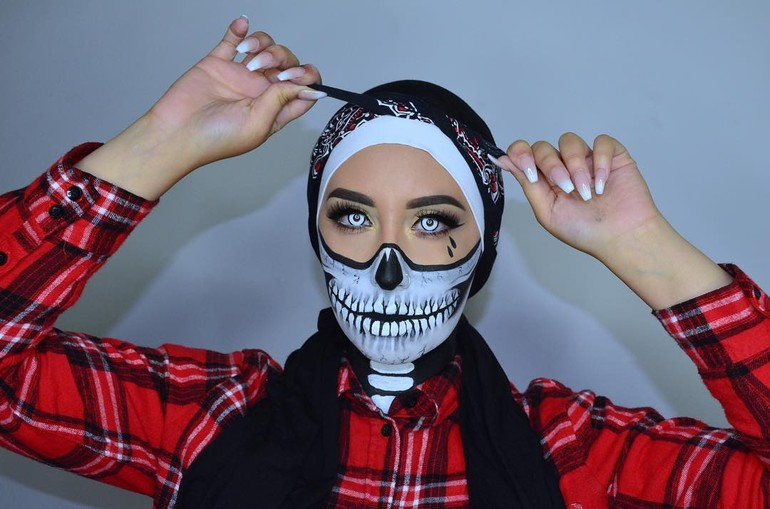Make Up Halloween Simple Hijab.Foto Seram Ketika Hijabers Tampil Dengan Kostum Halloween