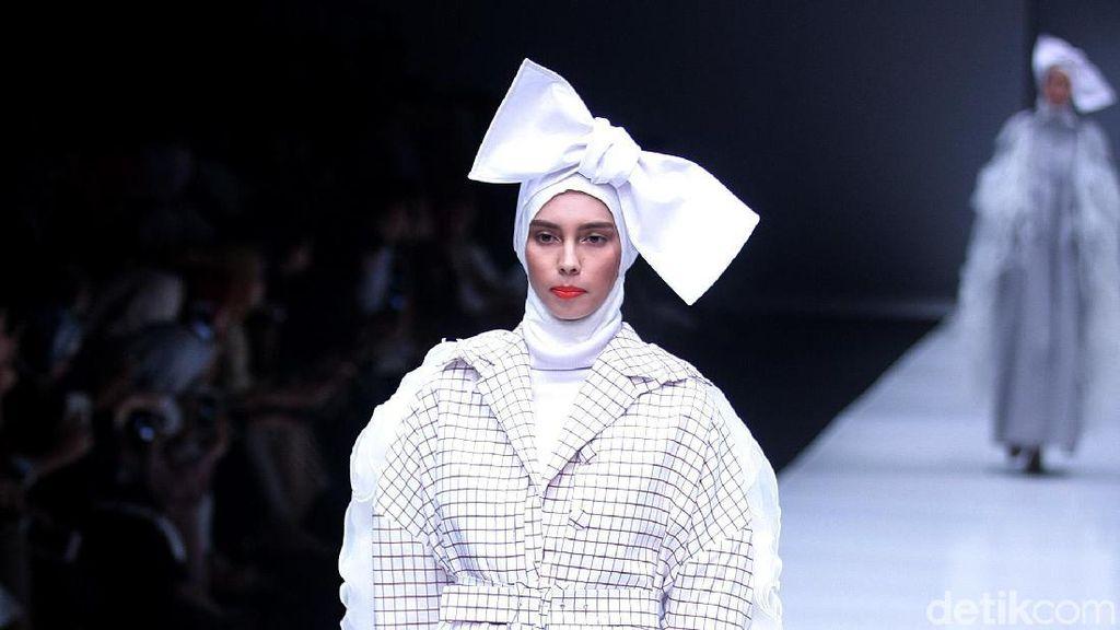 Foto: Koleksi Hijab Terbaru ETU dari Restu Anggraini
