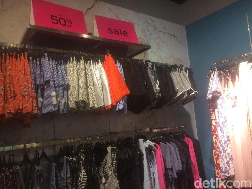Topshop Gelar Sale, Sweater Hingga Blazer Stylish Diskon Sampai 50%