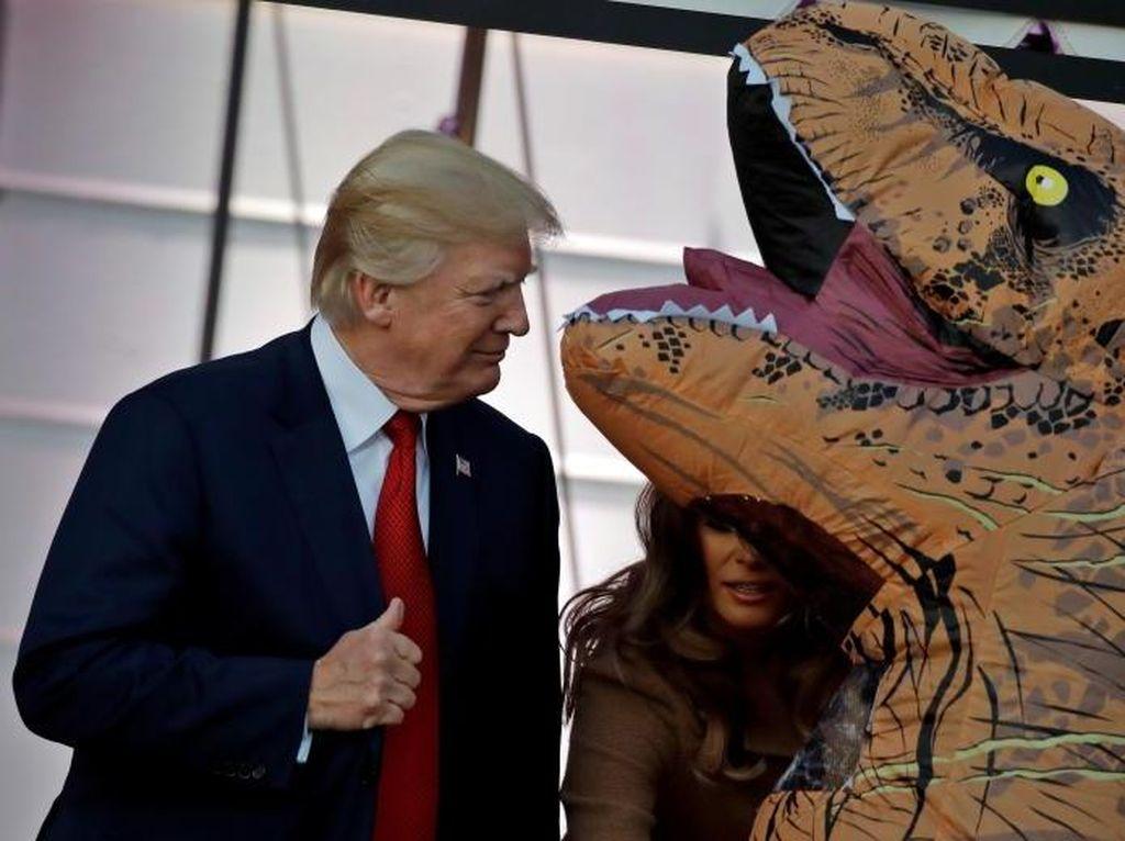 Serunya Halloween di Hollywood, Ada yang Berkostum Donald Trump