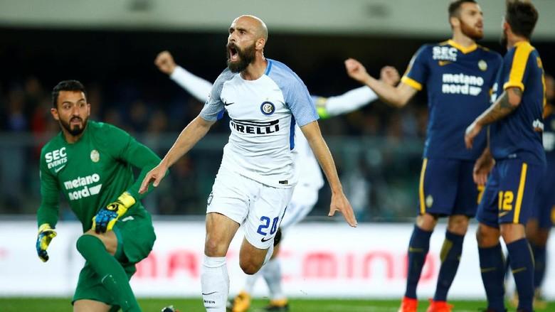 Inter Menang 2-1 di Markas Verona