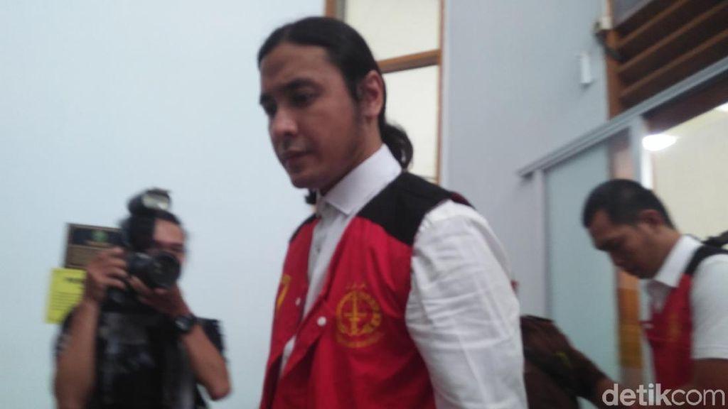 Buntut Molornya Sidang Aa Gatot, Ello dan Maradona Bete