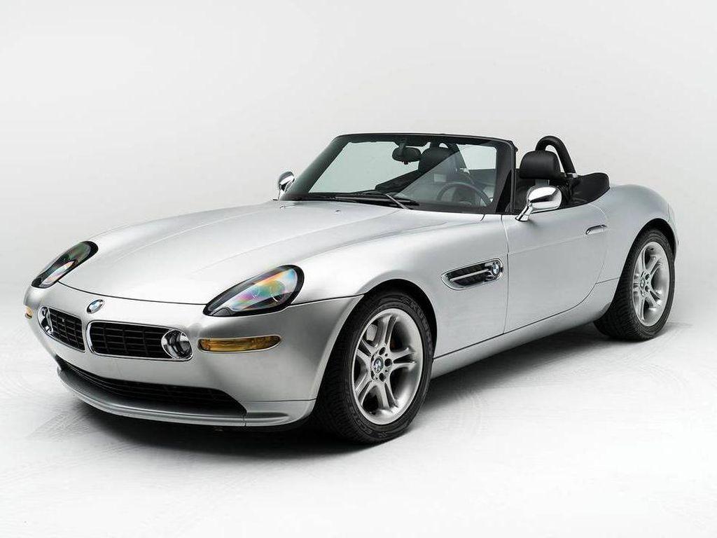 BMW Z8 Milik Steve Jobs Akan Dilelang