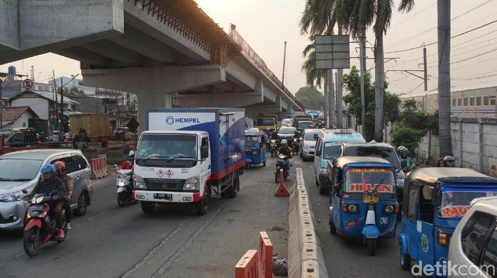 Disebut Tak Ada Amdal Lalin, Begini Kemacetan di Proyek Cip Lontar