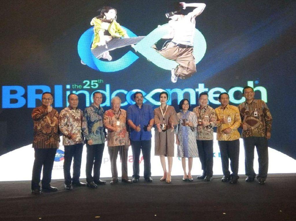 Serunya Berburu Aksesoris Gadget Murah di Indocomtech 2017