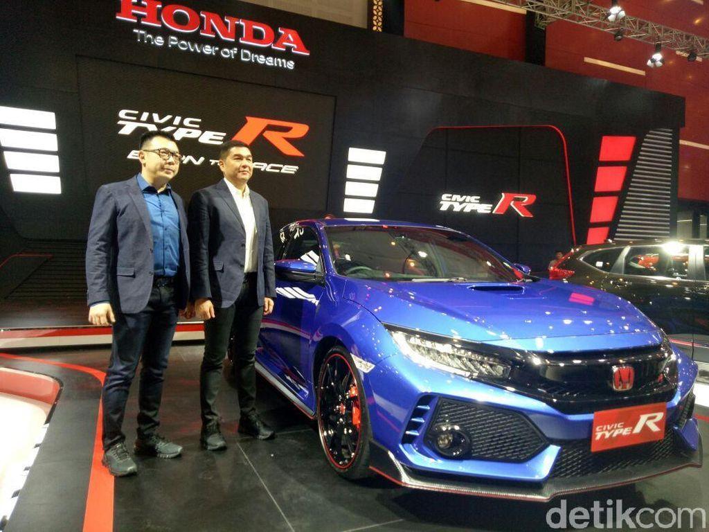 Honda Civic Type-R Warna Baru Hadir di Pameran Otomotif Surabaya