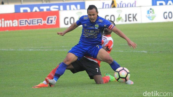 Persib Bandung masih pikir-pikir sebelum melepas Atep (Foto: Wisma Putra)