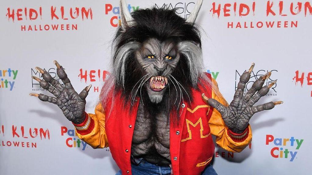 Foto: Kostum Halloween Tergila Heidi Klum,Manusia Serigala Hingga Dewi Hindu
