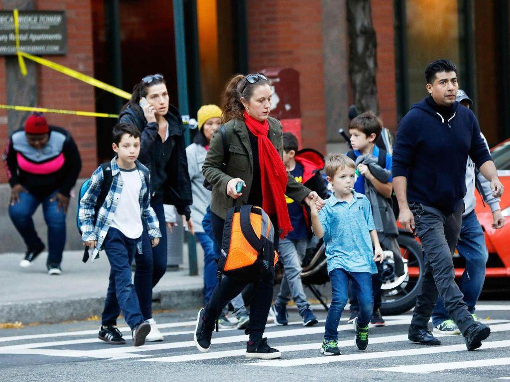 Wajah-wajah Ketakutan Akibat Teror New York