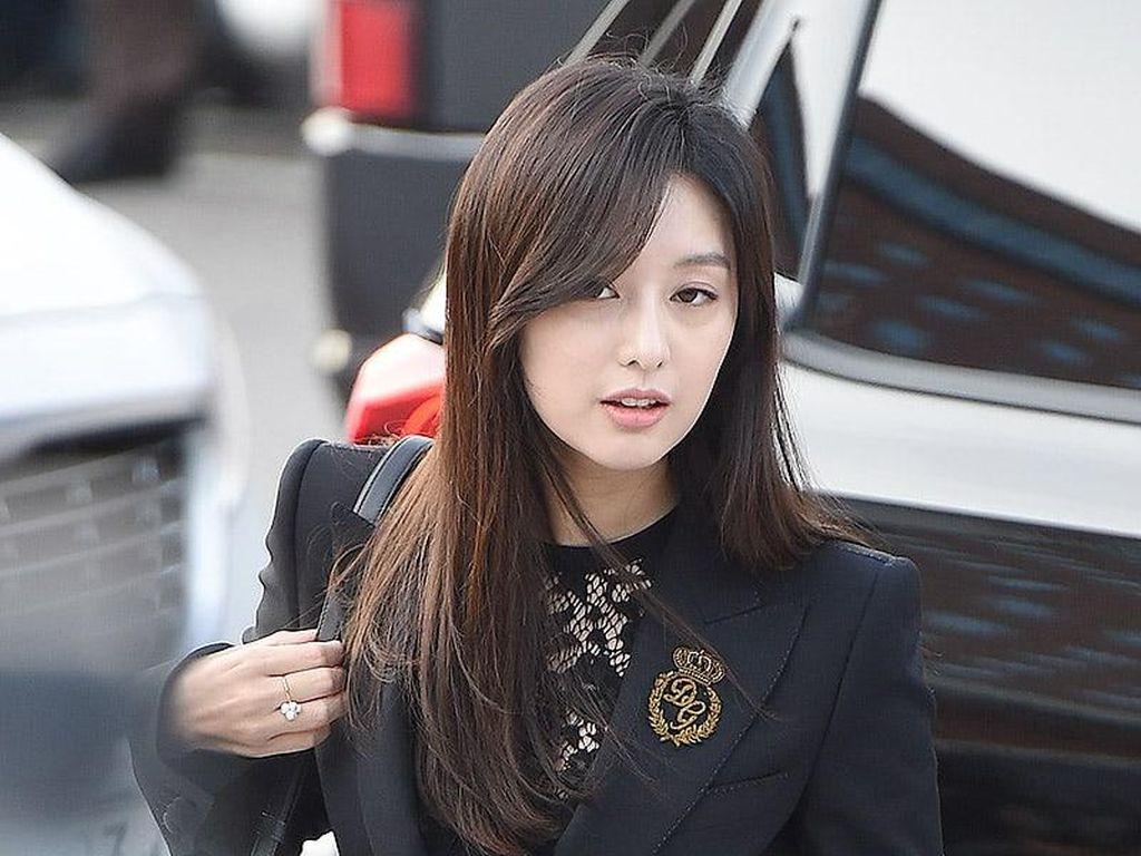 Foto: 15 Gaya Artis Korea di Pernikahan Song Hye Kyo dan Song Joong Ki