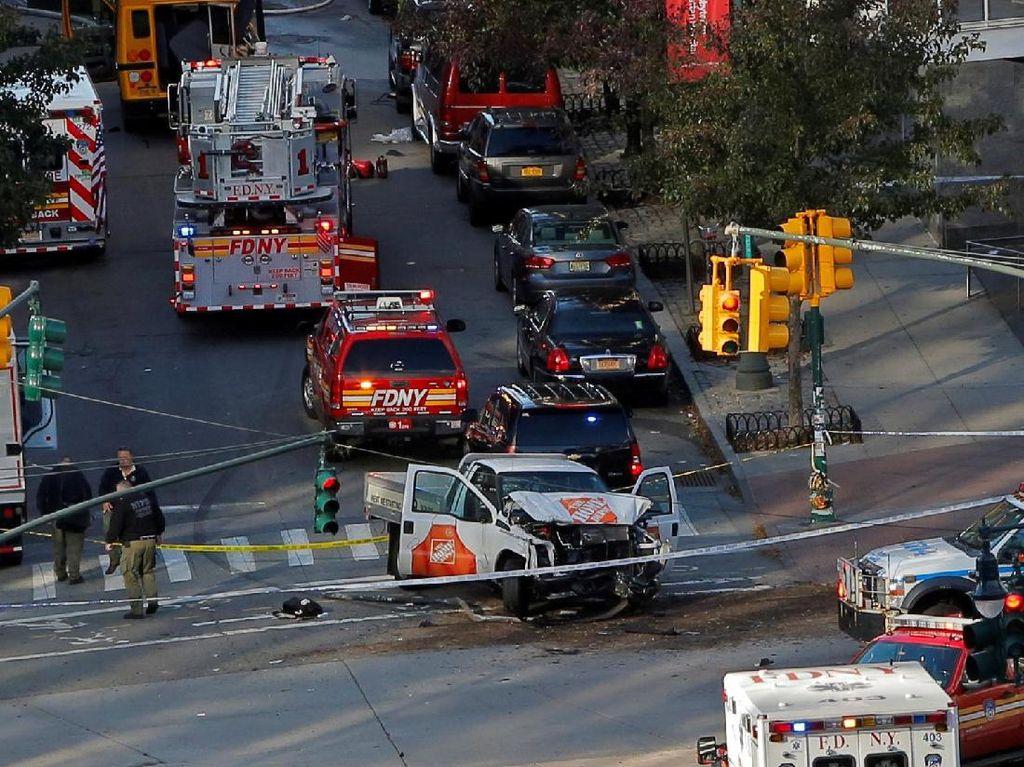 Foto: Suasana Menegangkan di Lokasi Teror New York