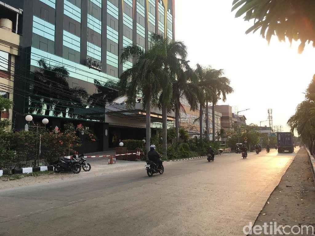 Foto: Hotel Hitam Itu Tak Lagi Berplang Alexis