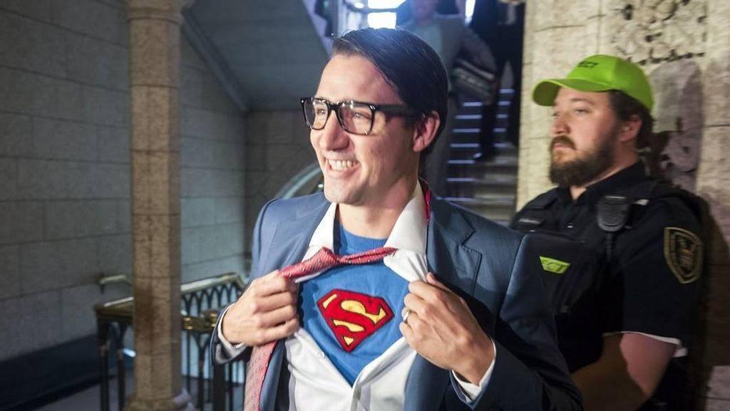 Foto: Tampannya Justin Trudeau Saat Jadi Clark Kent Buat Wanita Meleleh