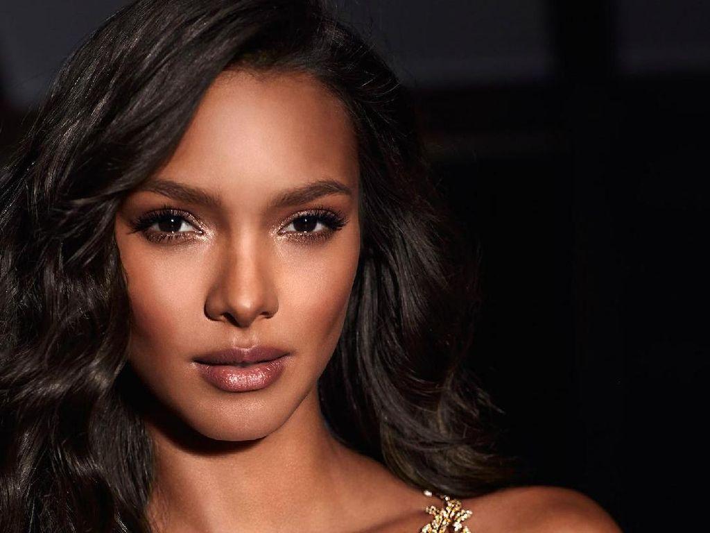 Model Brasil akan Pakai Lingerie Rp 27 Miliar di Show Victorias Secret