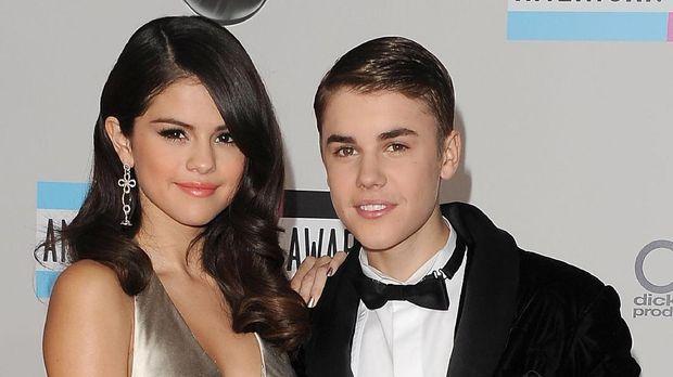 Selena Gomez saat masih bersama Justin Bieber.