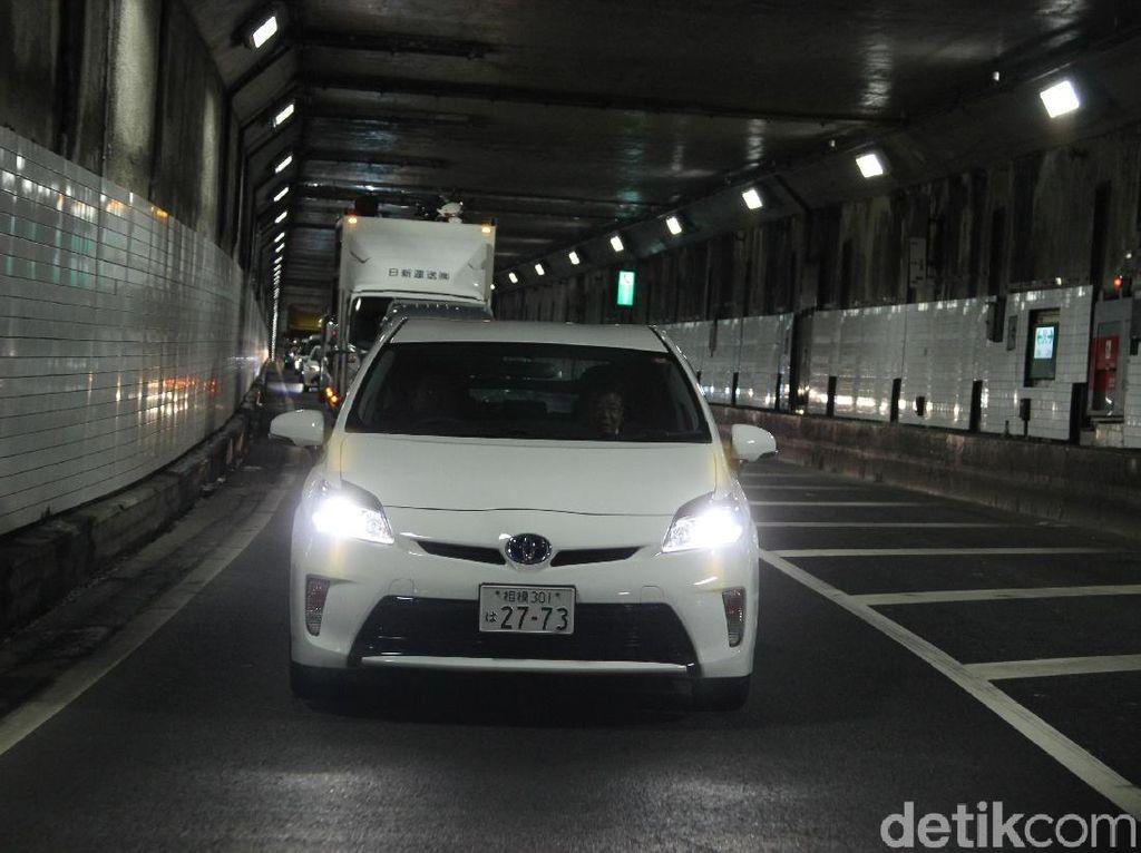 Jalanan Jepang yang Tertib, Meski Macet Tak Ada yang Serobot