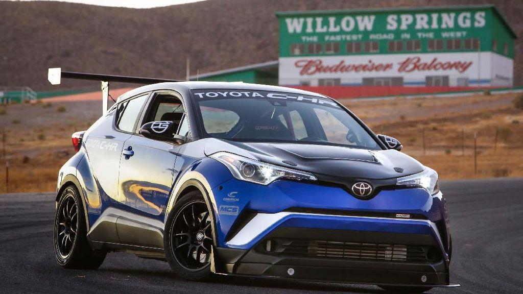 Crossover Terbuas Toyota C-HR