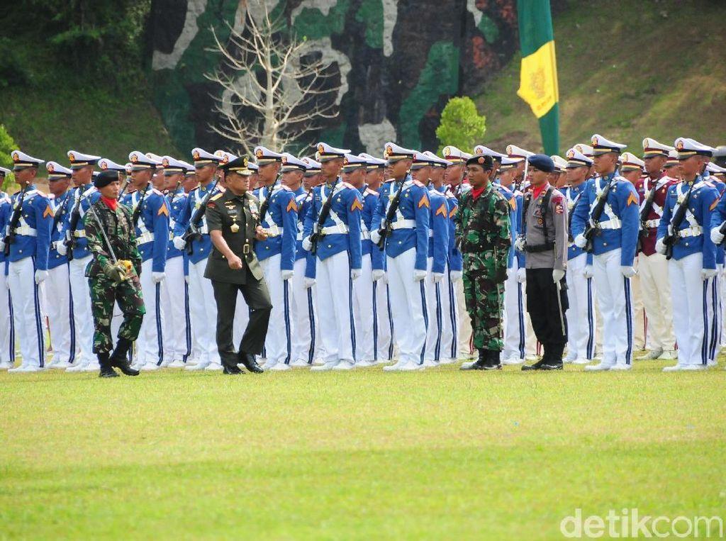 Panglima TNI Kepada Para Taruna: Waspadai Pecah Belah TNI/Polri