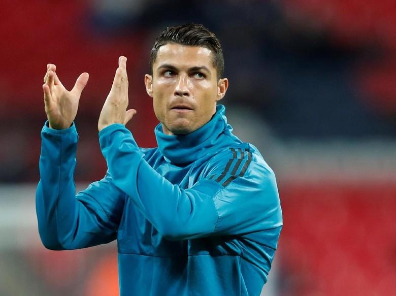 Tonton, Gol Indah Ronaldo Pakai Bahu