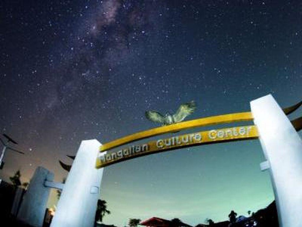 Berburu Milky Way di Tanjung Lesung dan Triknya