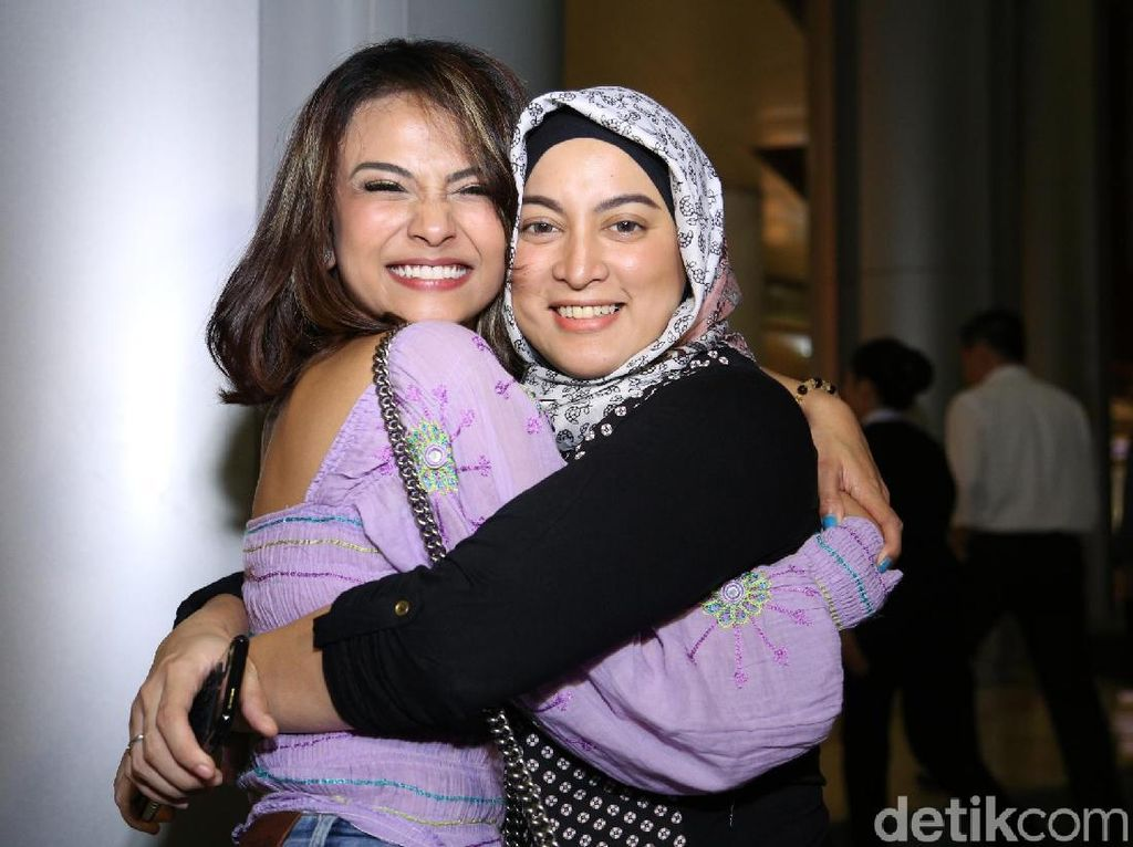 Setelah Rachmawati Soekarnoputri, Vanessa Angel Nangis Jane Shalimar Meninggal