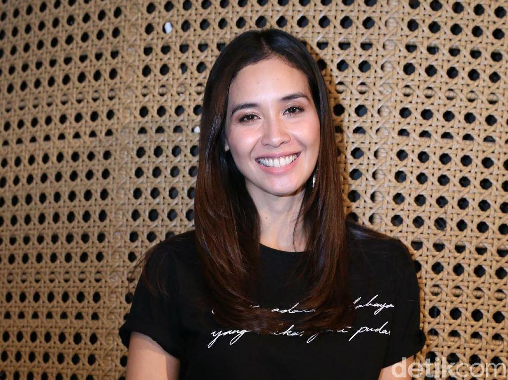 Main Teater Jadi Ida Nasution, Marsha Timothy: Dia Perempuan Langka
