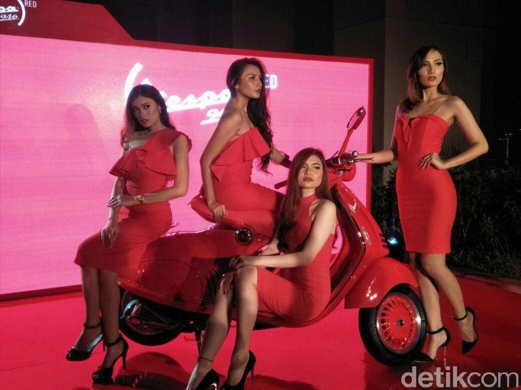 Meluncur di Indonesia, Vespa Merah Ini Seharga Mobil