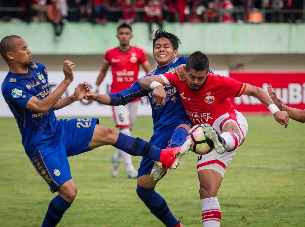 Persija vs Persib Jadi Tanggal 30 Juni