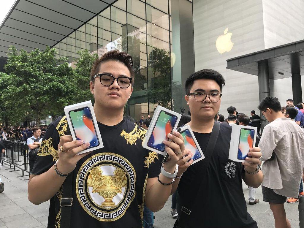 Cerita Pembeli Pertama iPhone X di Singapura