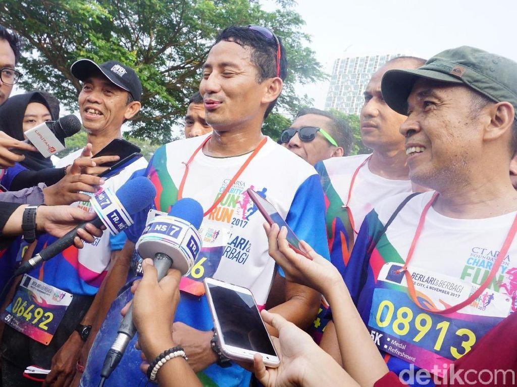 Fun Run ala Sandiaga Uno: Pipis Dulu, Selfie-selfie Dulu