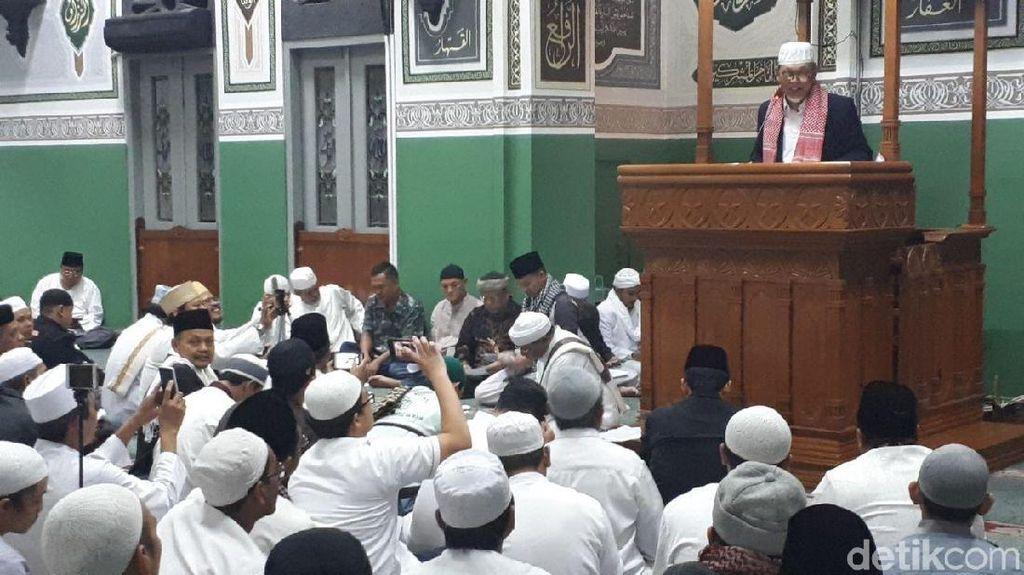 Foto-foto Peringatan Aksi 411 di Masjid Al Azhar