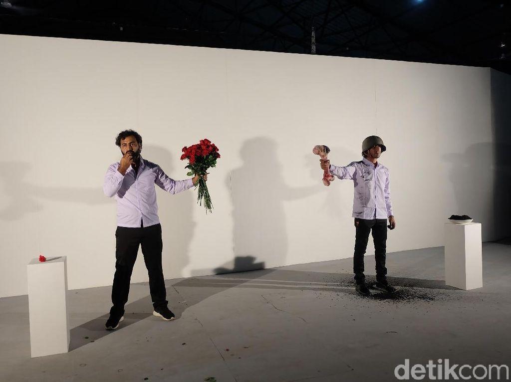 Duo Seniman Irak Gelar Performans di Pembukaan Jakarta Biennale 2017