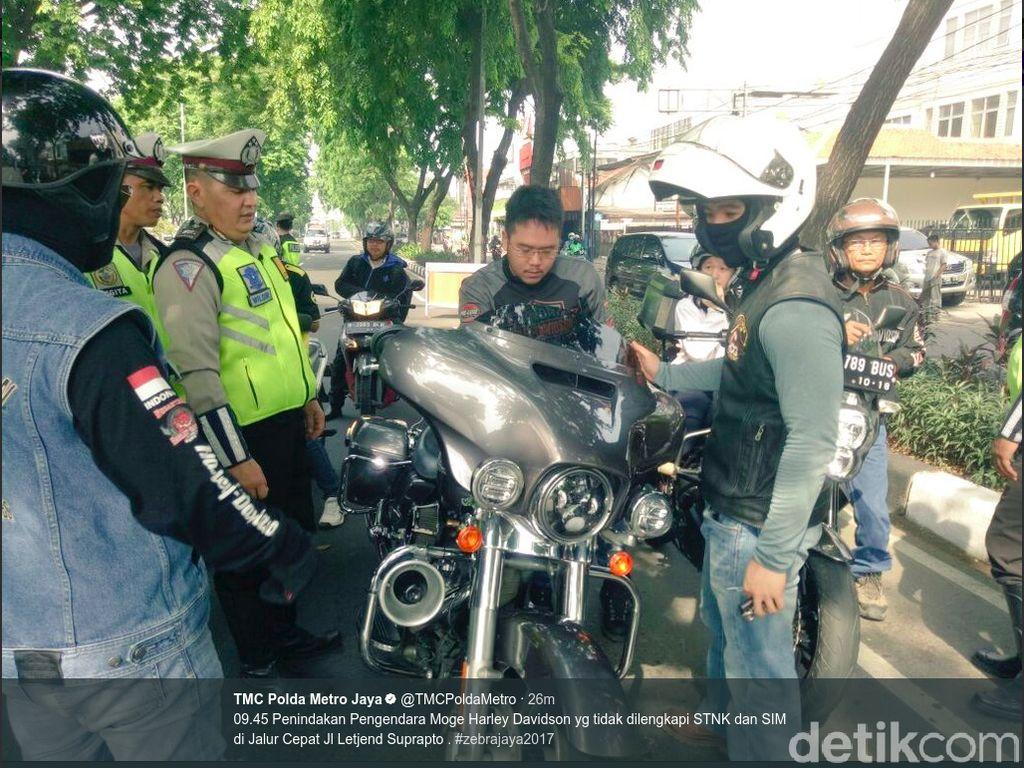 Tak Ada SIM dan STNK, Pengendara Harley Davidson Ditilang di Jakpus