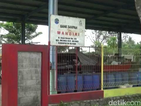 Lokasi daur ulang sampah Muryani/