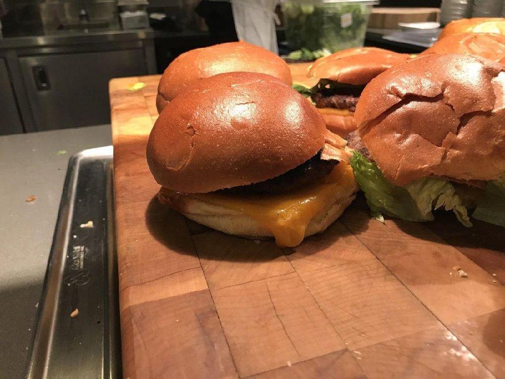 Google Sajikan Android Burger untuk Karyawan