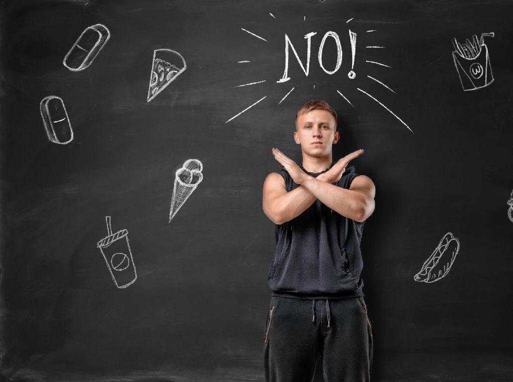5 Kesalahan Makan di Malam Hari yang Bikin Perut Susah Six Pack